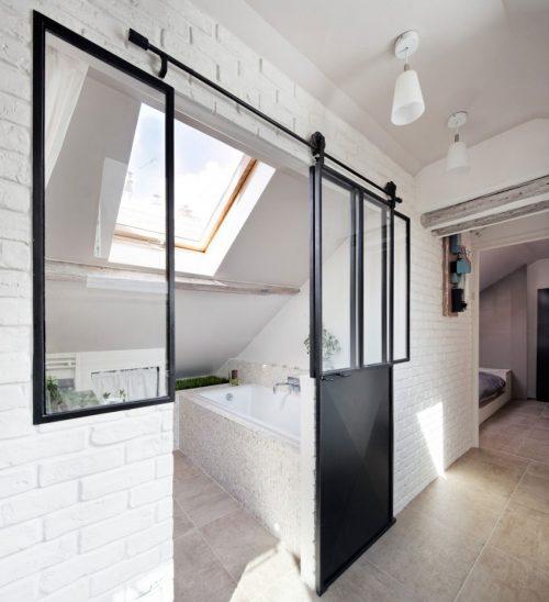 Badkamer ideeën onder schuin dak