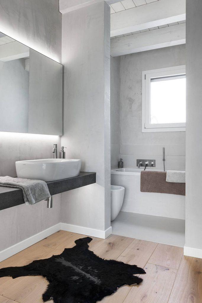 Badkamer ideeën verlichting in spiegel