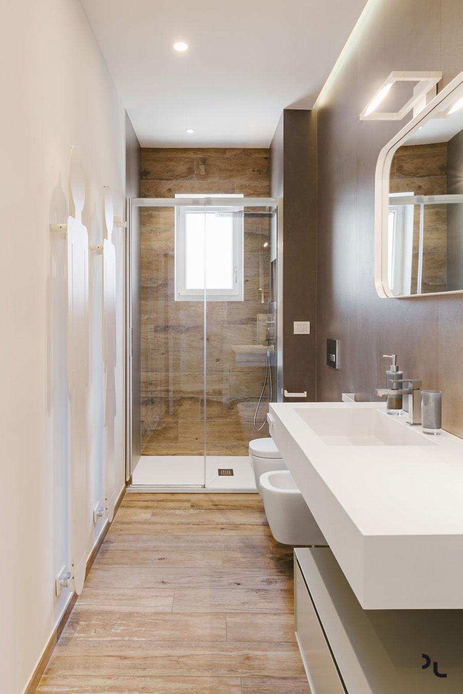 Badkamers met voorbeelden hout look tegels