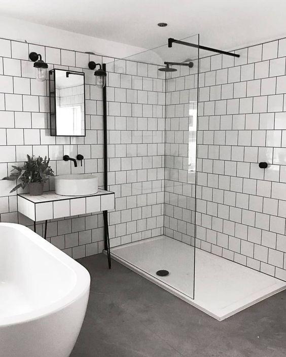 Badkamers met voorbeelden inloopdouche glazen deur stabilisatiestang