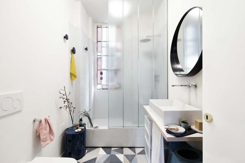Badkamers met voorbeelden tegels met motief