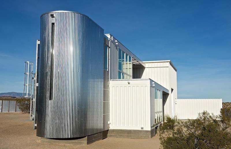 Containerwoning in de woestijn