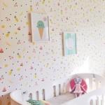 Drukke behang voor de kinderkamer