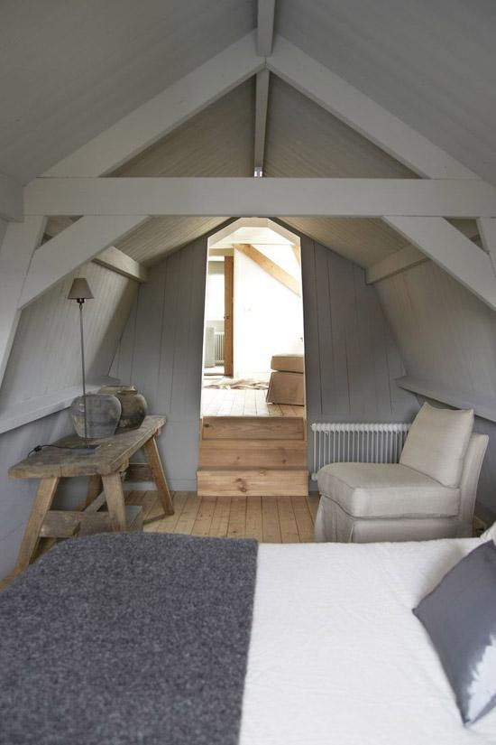 Een zolderslaapkamer wooninspiratie for Slaapkamer op de zolderfotos