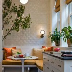 Gezellige knusse keuken met eethoek