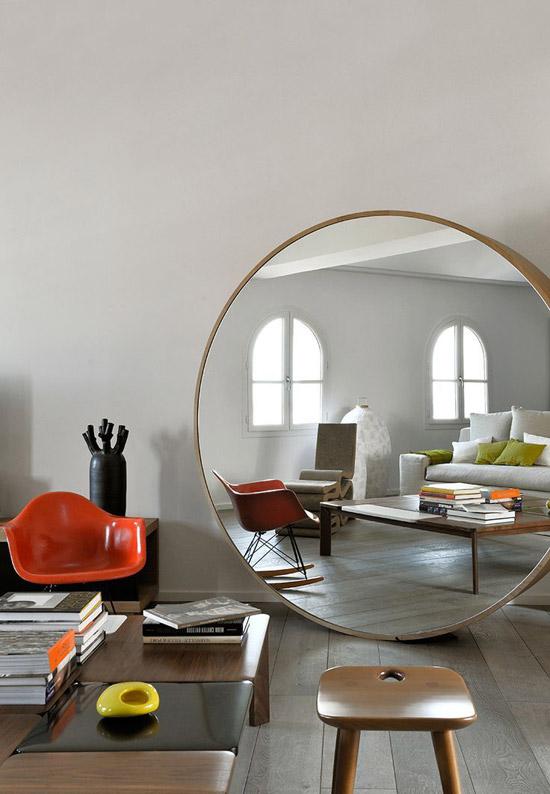 Grote spiegel idee n wooninspiratie for Immense miroir