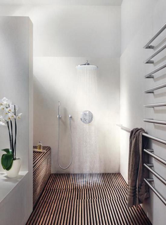Badkamer tegels hout badkamers voorbeelden mooie italiaanse badkamer met houten vloer - Badkamer houten vloer ...