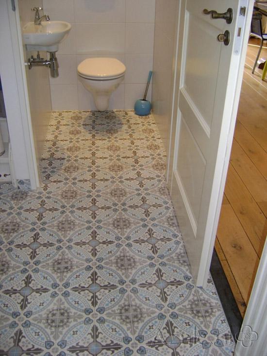 Portugese tegels voor toilet wooninspiratie - Tegel patroon badkamer ...