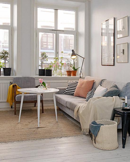 Schattig klein scandinavische appartement wooninspiratie for Woonkamer appartement inrichten
