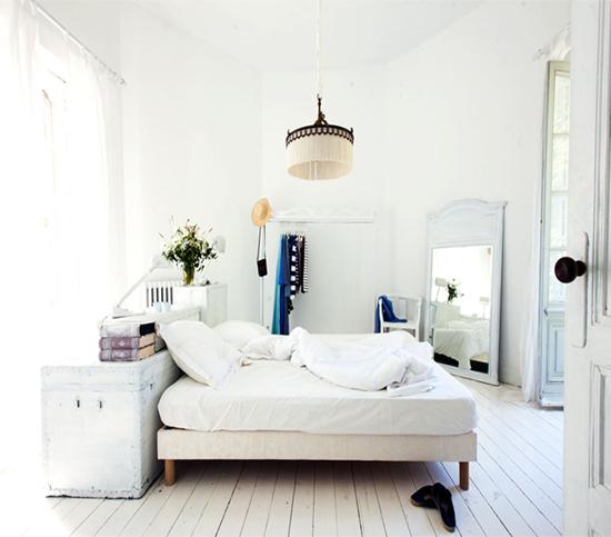 Prachtige slaapkamer met oude meubels | Wooninspiratie