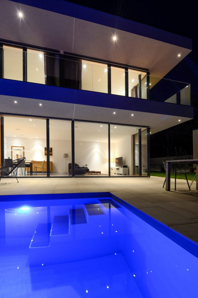 Tuin luifel Modern huis met klassieke luifel