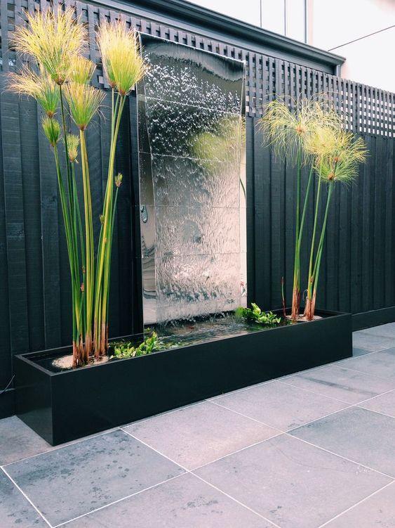 Tuinafscheiding Spiegel in de tuin