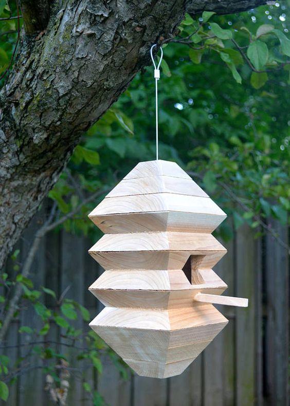 Voortuin ideeën Vogelhuisje