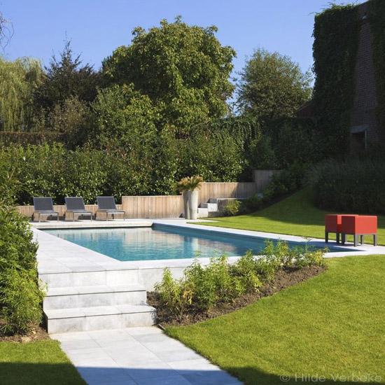 Zwembad in de achtertuin wooninspiratie for Zwembad achtertuin