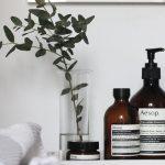 Badkamer decoreren met mooie flesjes