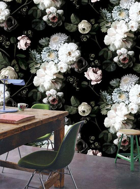 Behang met bloemenpatroon