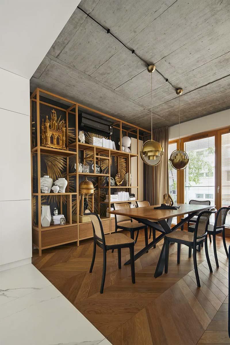 chic klassiek interieur hanglampen boven eettafel