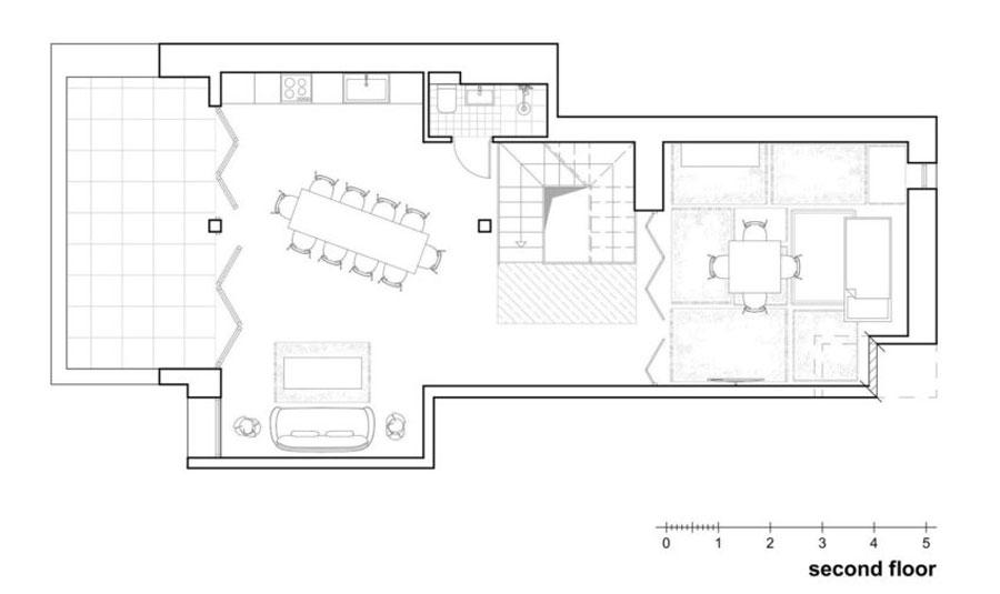 Deze slaapkamer kan bij de woonkamer getrokken worden middels harmonica deuren