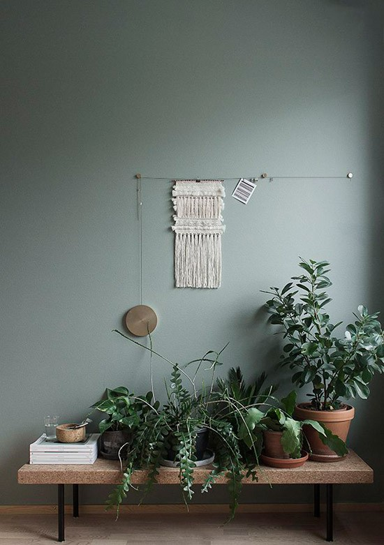 Donker groene muur  Wooninspiratie