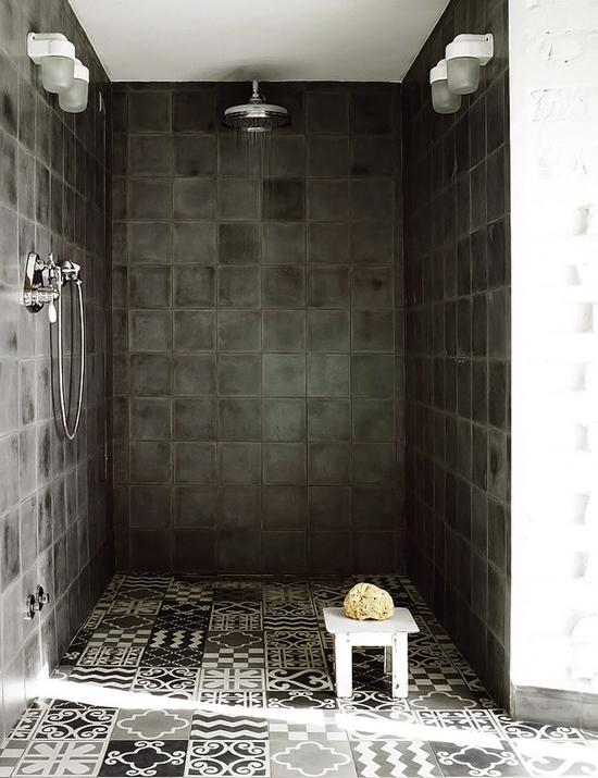 Een romantische donkere badkamerinrichting wooninspiratie - Romantisch idee ...