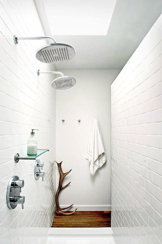Dubbele douche in de badkamer