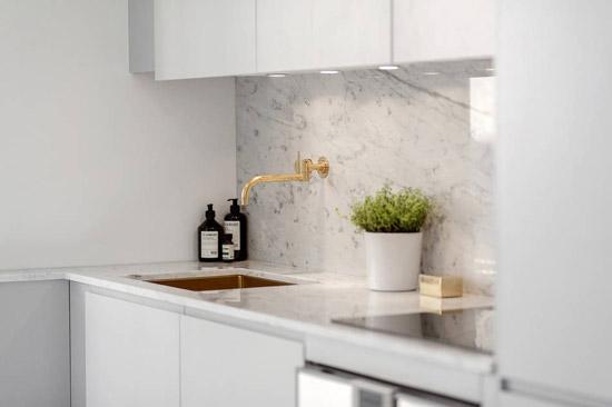 Compacte Woonkamer Inrichting : Een kleine woonkamer en keuken in één wooninspiratie