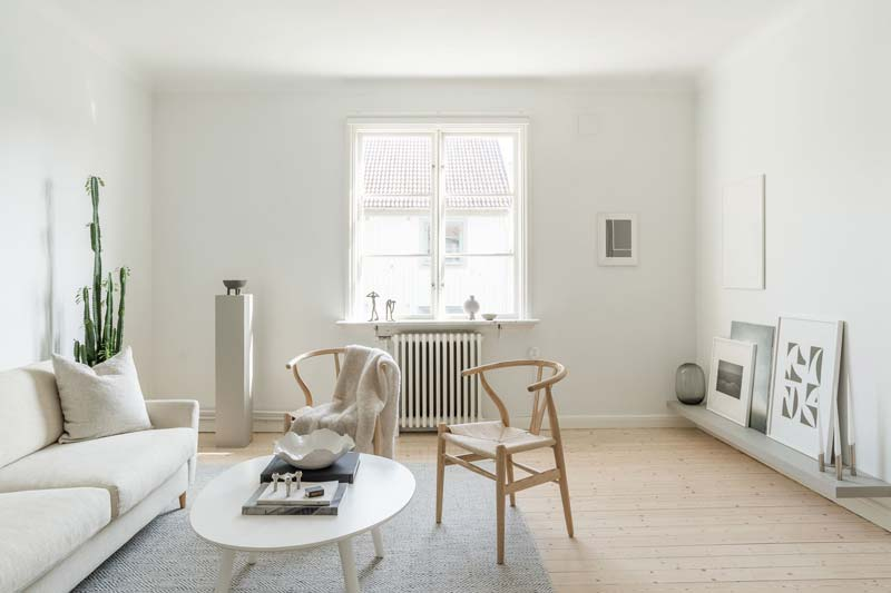 eetkamerstoel in zithoek woonkamer