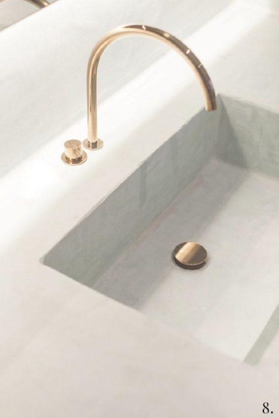 Gouden kraan in de badkamer | Wooninspiratie