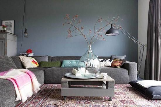 Grijstinten in huis wooninspiratie - Kleur die past bij de grijze ...