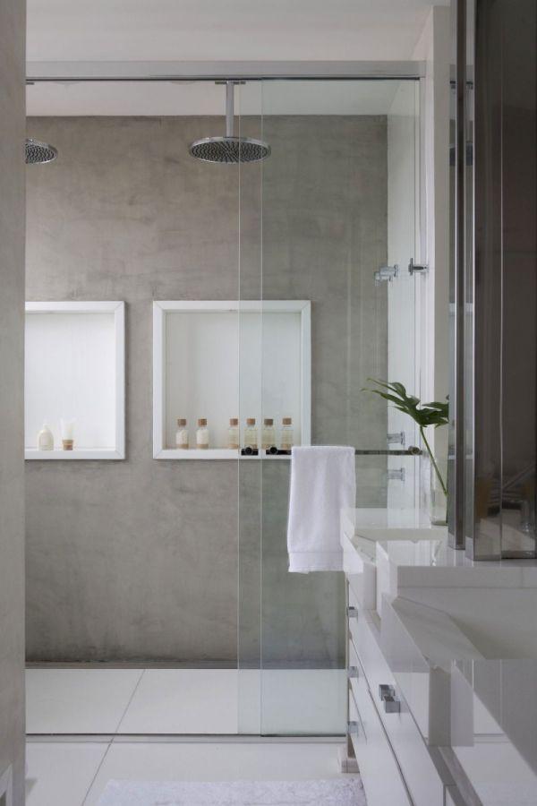 grijze muur betonlook badkamer