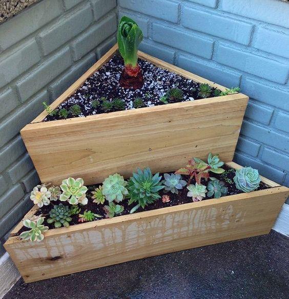 Houten plantenbakken tuin