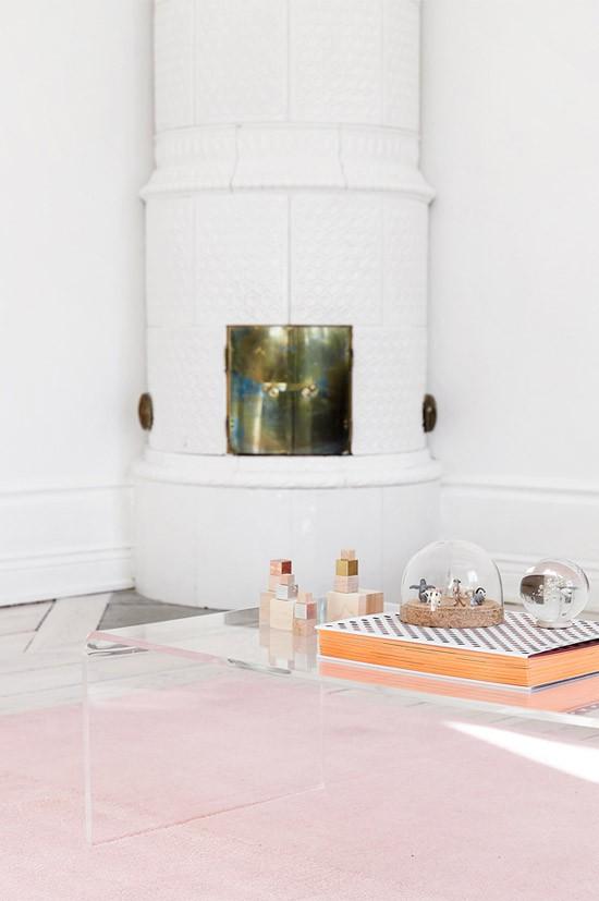 Huis met subtiele roze details