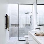 Mooi modern: Een inloopdouche in de badkamer!