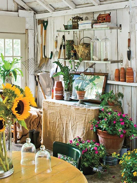 Inrichting van tuinhuis wooninspiratie for Garden sheds interior designs