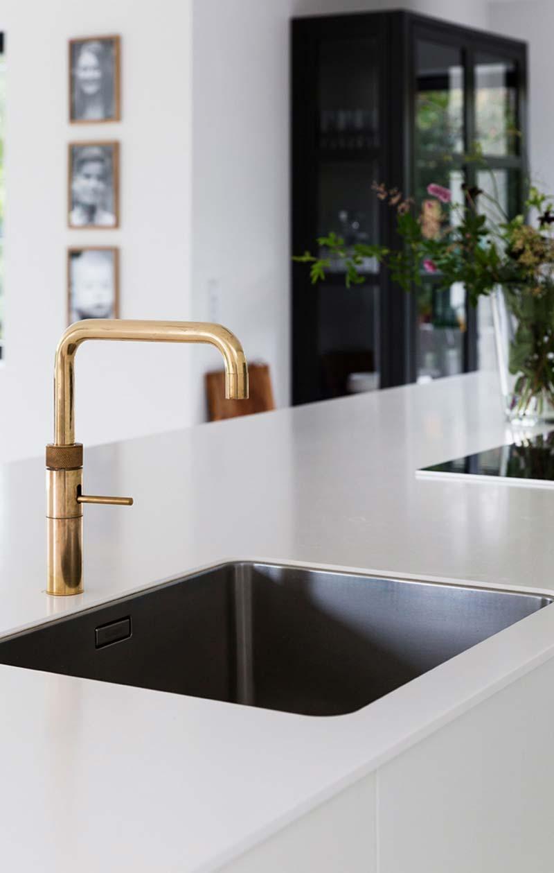 keukentrends 2021 heetwaterkraan gouden quooker