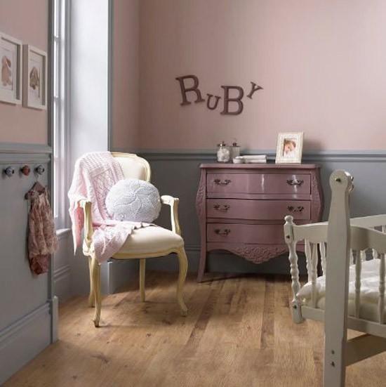 Kinderkamer met pastel kleuren