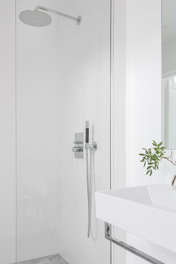 Klein maar super fijne Scandinavische badkamer | Wooninspiratie