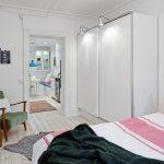 Een kledingkast met schuifdeuren: een must voor in een kleine slaapkamer