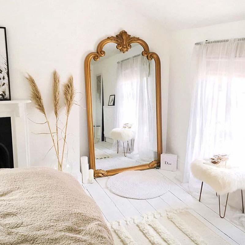 kleine slaapkamer tips grote spiegel