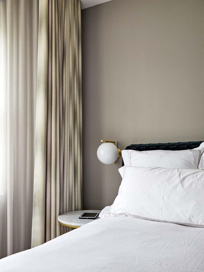 kleine slaapkamer tips wandlamp