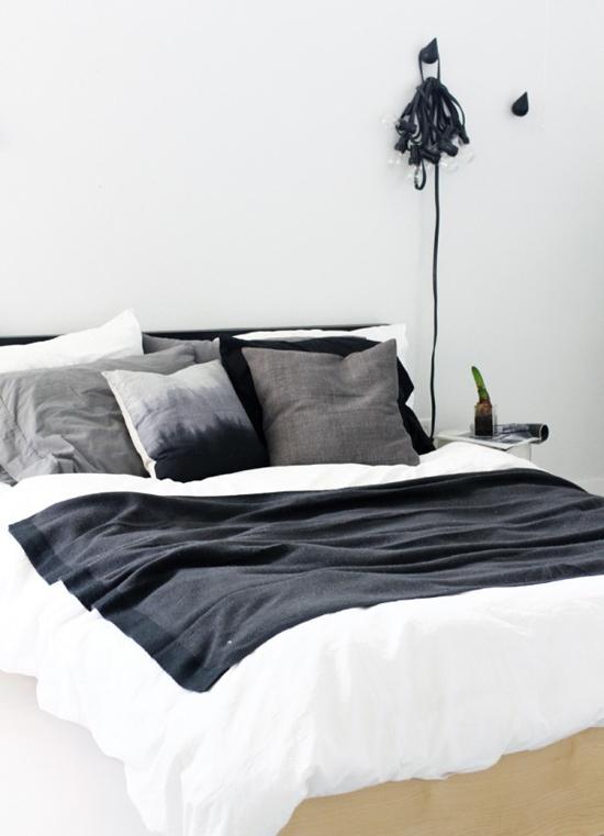 http://www.wooninspiratie.nu/wp-content/uploads/kussens-voor-de-slaapkamer-9.jpg
