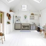 Mooie eenvoudige keuken met veel licht