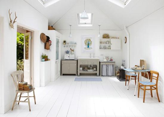 Mooie eenvoudige keuken met veel licht wooninspiratie for Simpele keuken