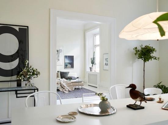 Woonkamer Inrichten Met Veel Ramen : Dit kleine appartement is één ...