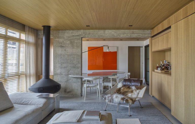 Luxe appartement met beton en hout