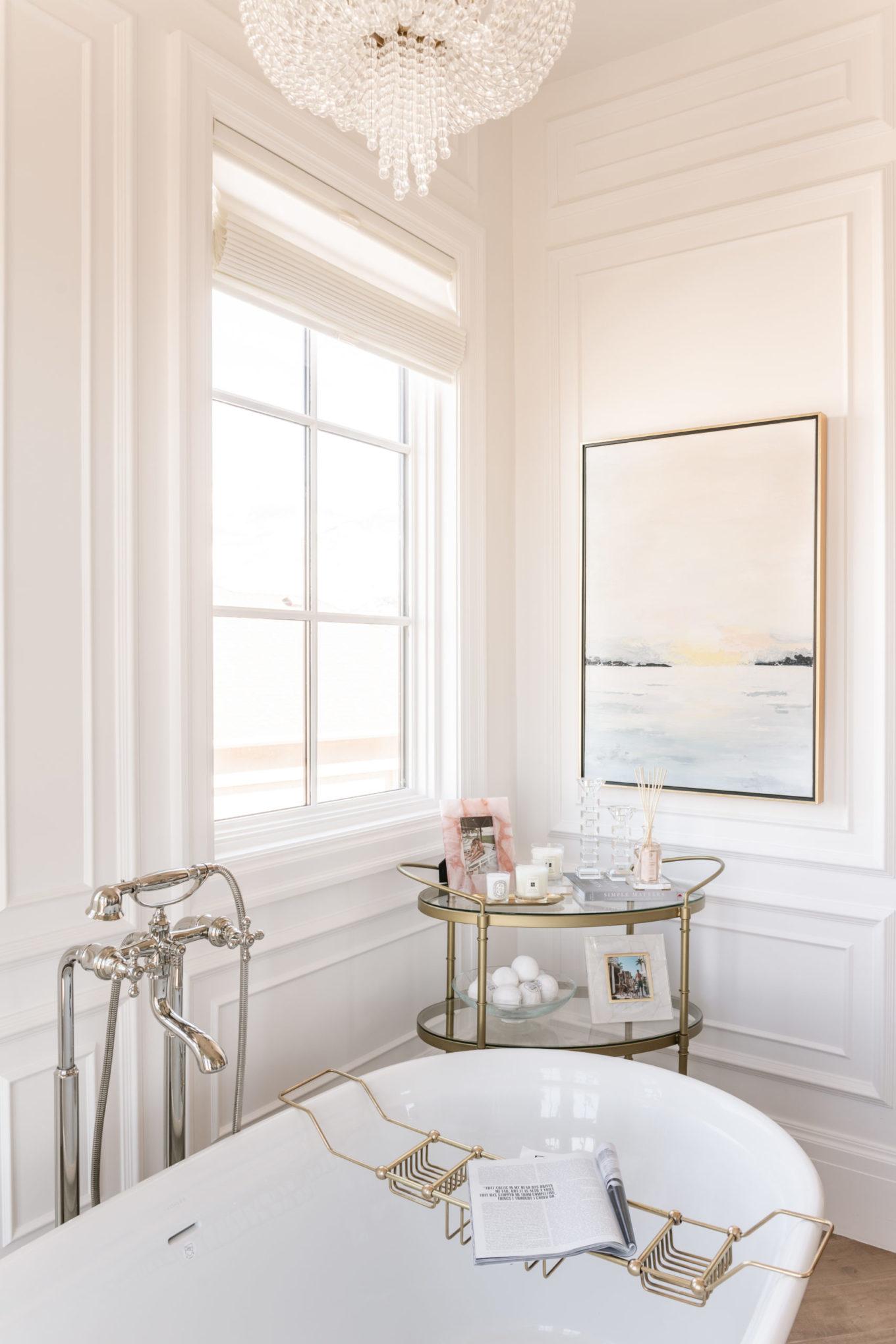 luxe badkamer vrijstaand bad wit