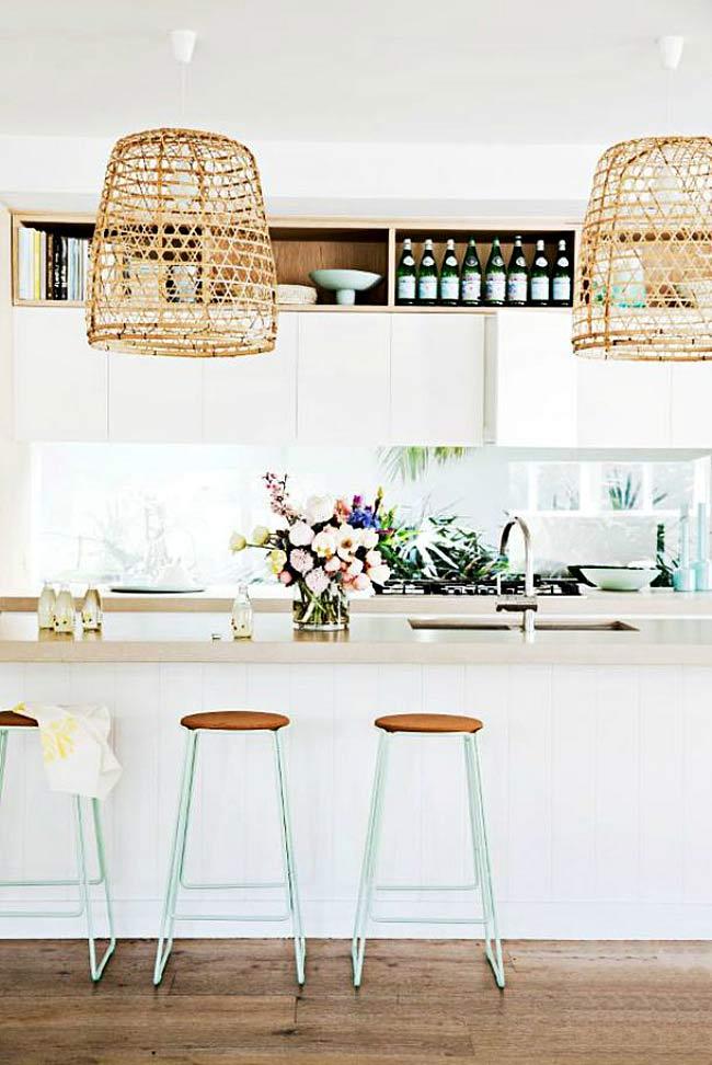Mand hanglampen boven keukeneiland