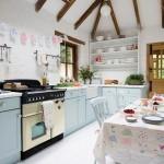 Pastel blauwe keuken