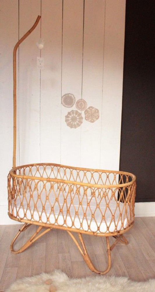 Rattan baby wieg with rieten trendhopper for Tuincentrum cruquius