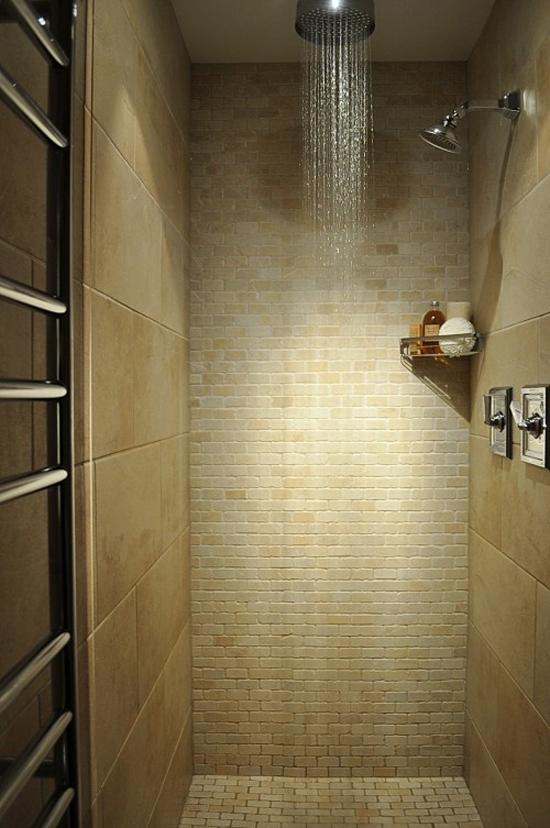Regendouche in de badkamer wooninspiratie for Big showers for small bathrooms